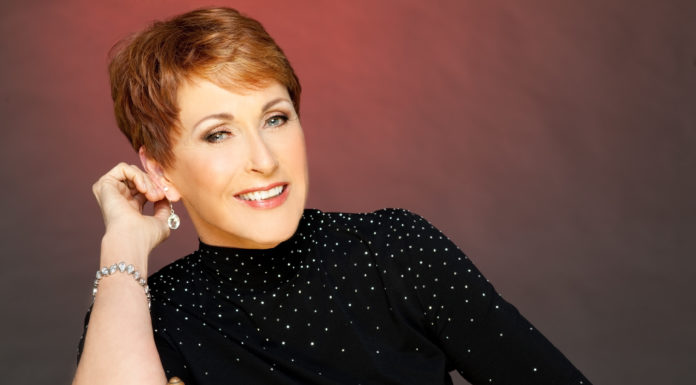 "Ann Hampton Callaway teams up with Amanda McBroom for ""Divialicious"""
